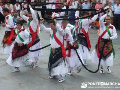 Majaelrayo - Pueblos arquitectura negra - Fiesta de los danzantes, Santo Niño; lugares de montaña
